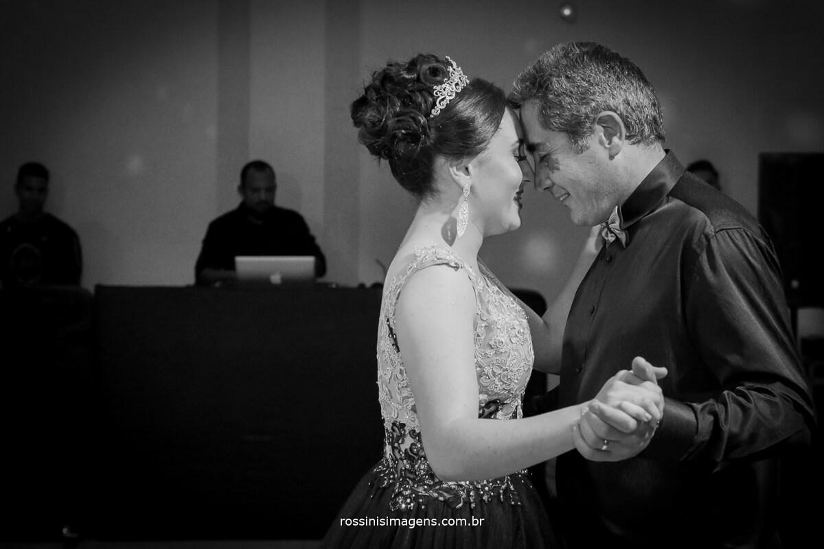fotografo-festa-de-15-anos-debutante-rossinis-imagens-suzano-sp, danca da debutante,valsa com o pai