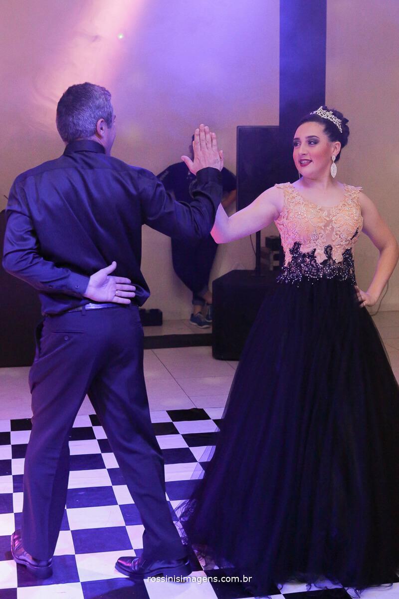 fotografo-festa-de-15-anos-debutante-rossinis-imagens-suzano-sp, valsa da debutante andressa com seu pai