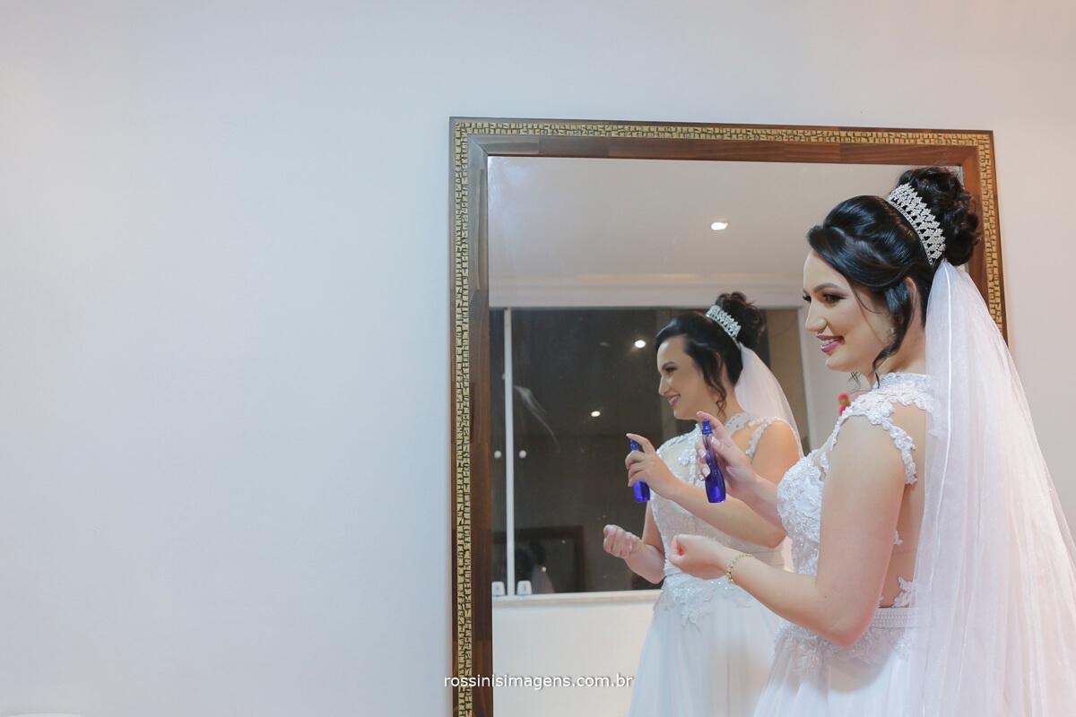 fotografo de casamento em garden fest aruja - sp Rossinis Imagens, momento da noiva no salao de beleza
