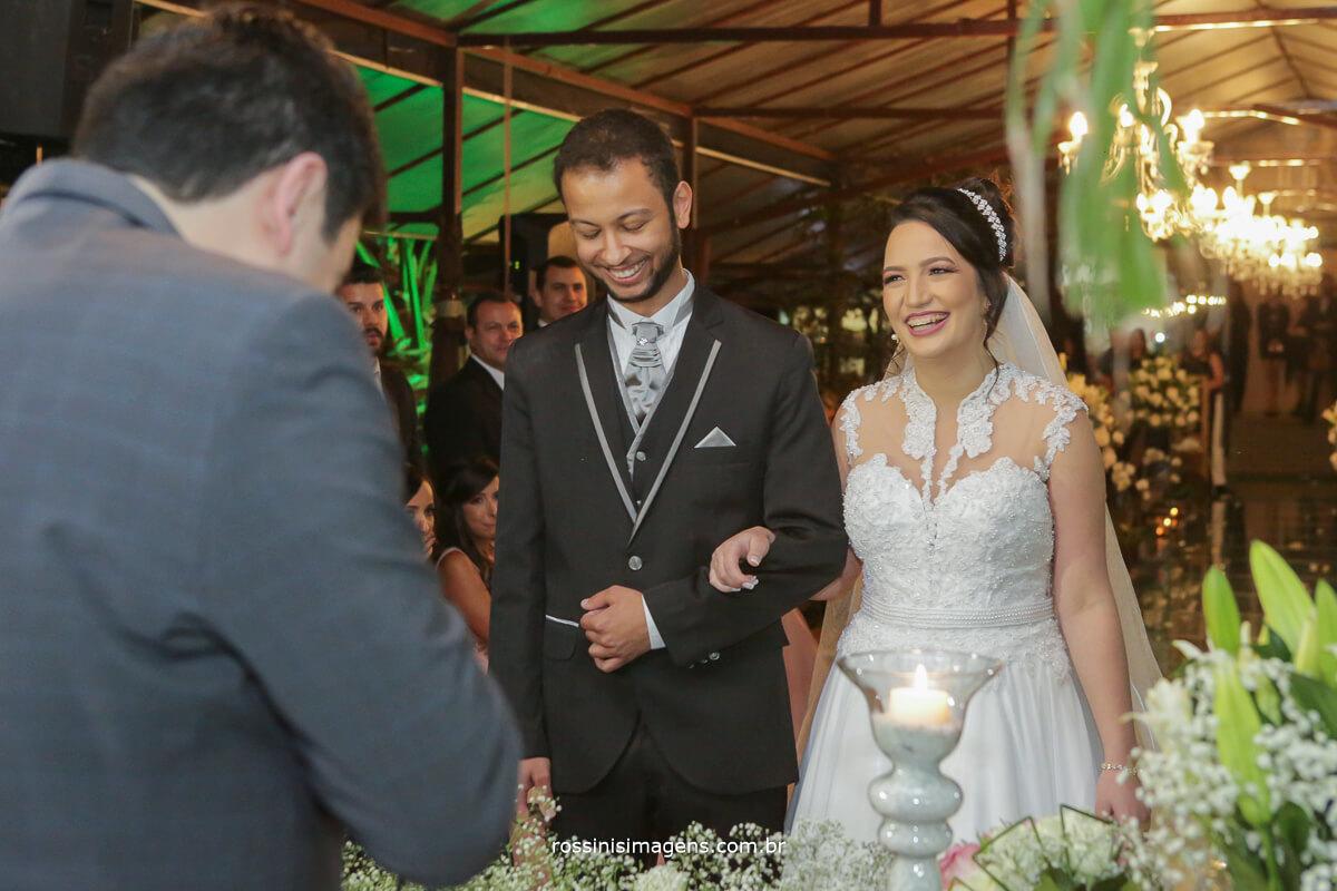 fotografo de casamento em garden fest aruja - sp Rossinis Imagens, celebrante paulo ramos casamento de veronica e renan arujá