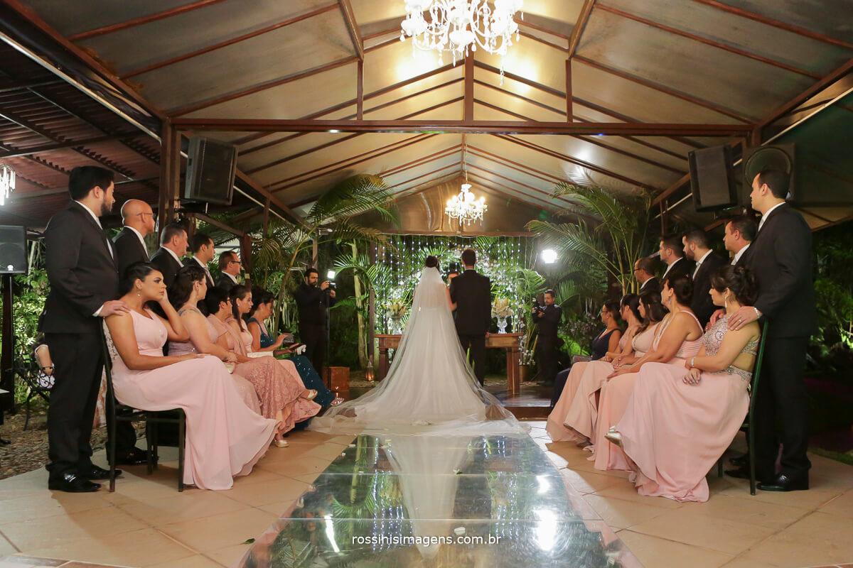 fotografo de casamento em garden fest aruja - sp Rossinis Imagens, cerimonial de casamento com os padrinhos e os noivos
