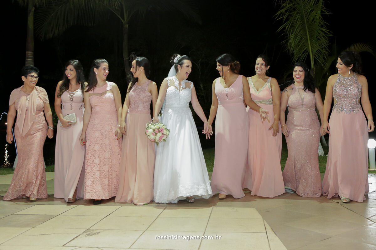 fotografo de casamento em aruja-sp Rossinis Imagens, madrinhas na sessao de fotos