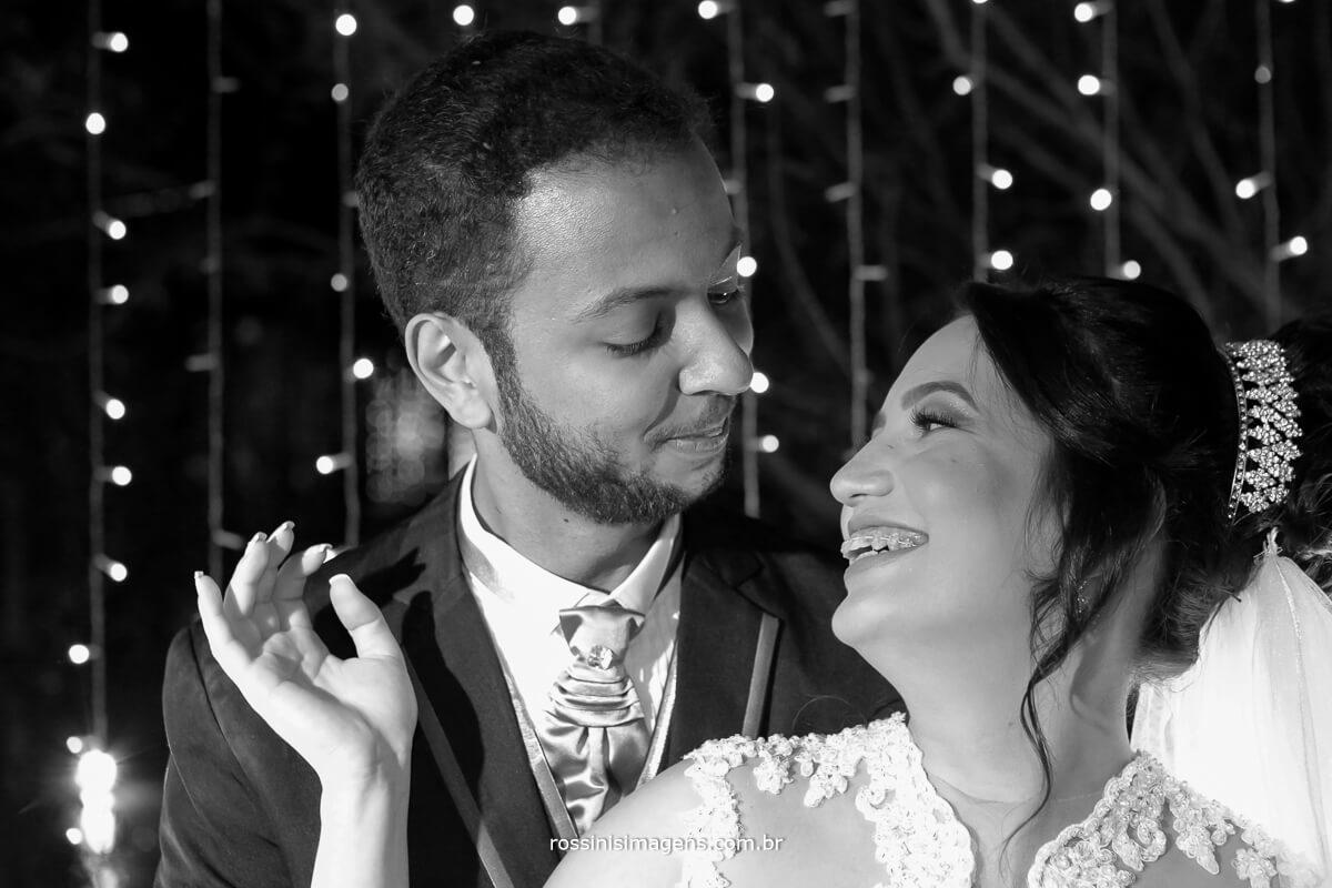 fotografo de casamento em aruja-sp Rossinis Imagens, cortina de led ensaio casal, ensaio noivos, casamento