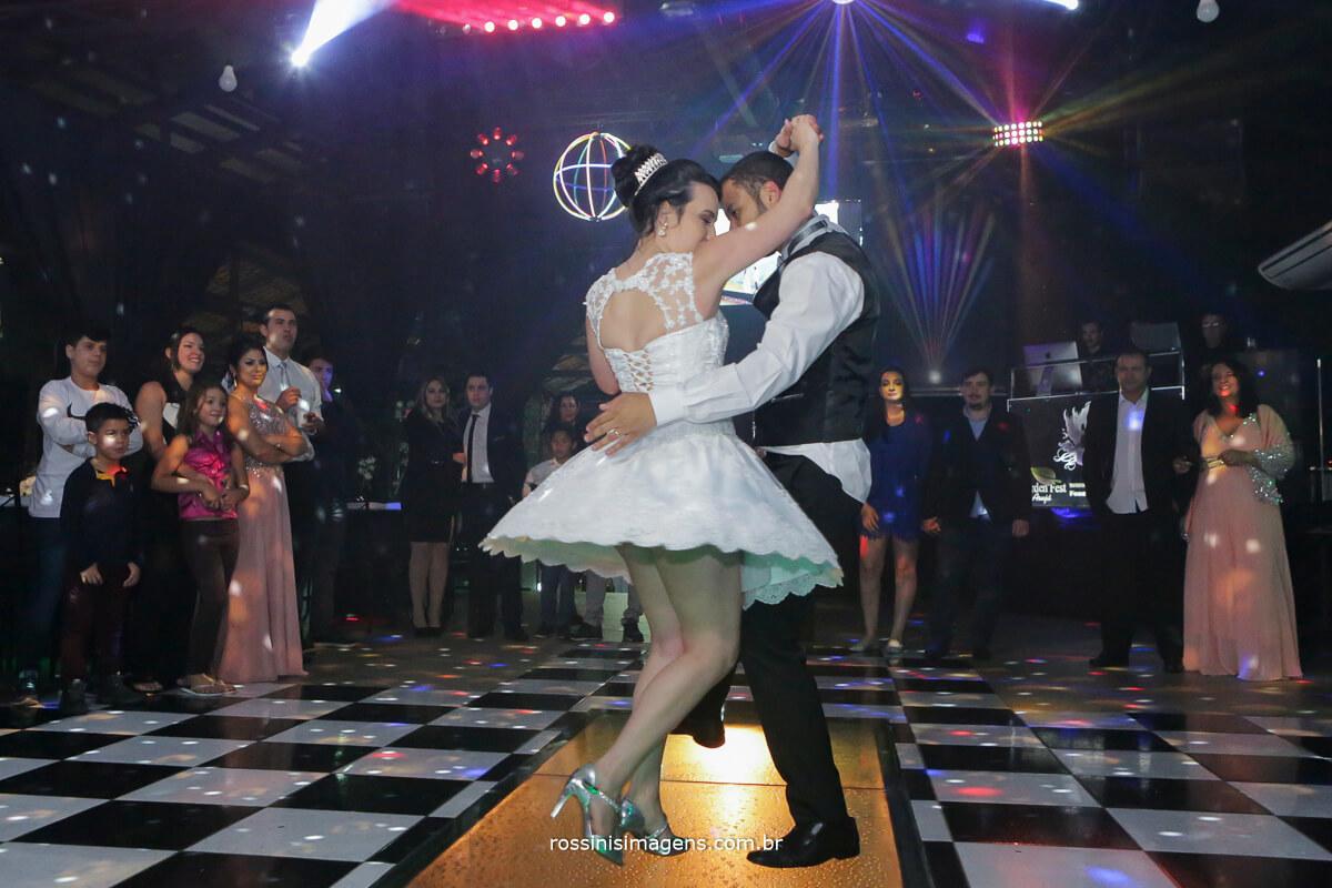 fotografo de casamento em aruja-sp Rossinis Imagens, first dance, primeira danca noivos casamento