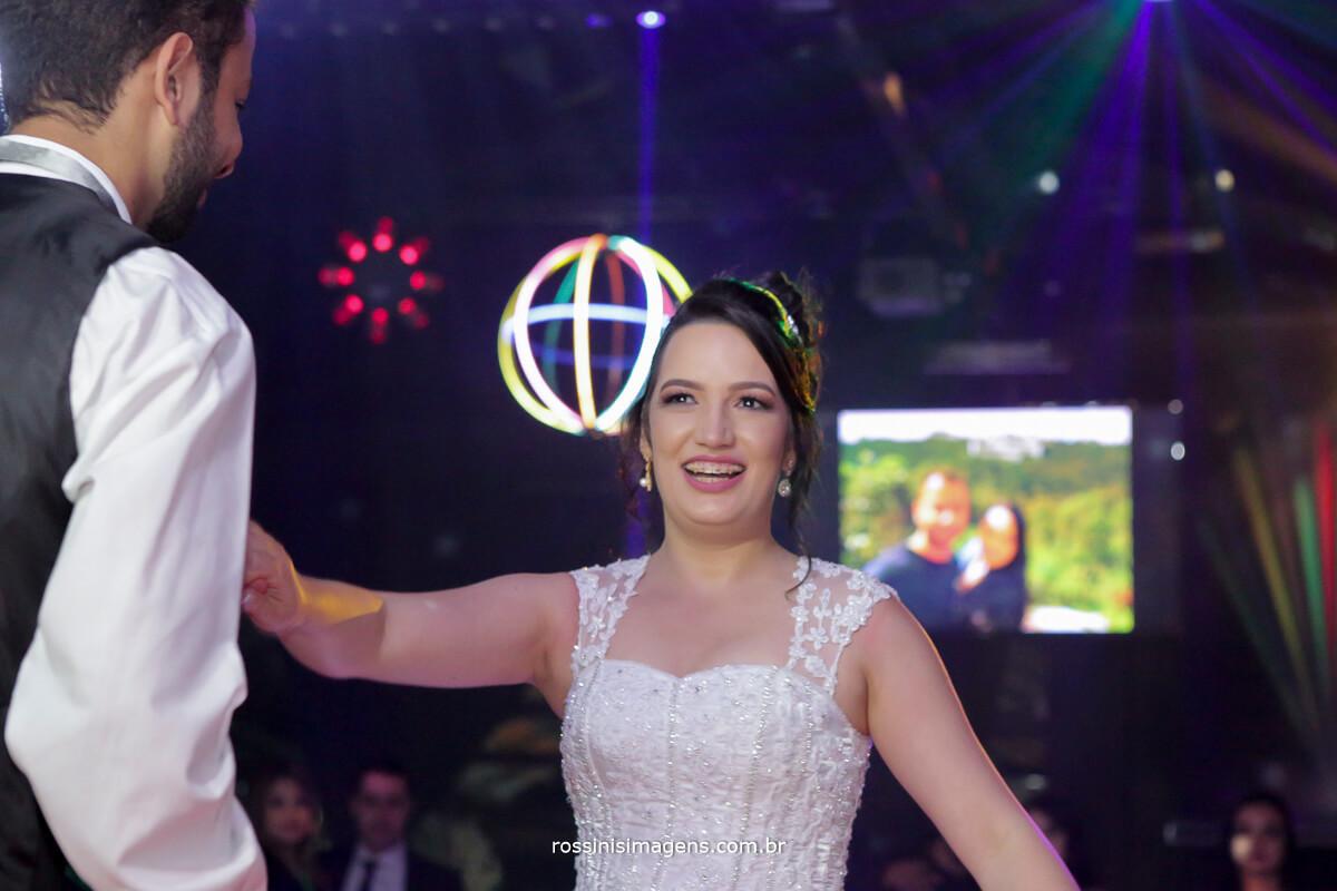 fotografo de casamento em aruja-sp Rossinis Imagens, primeira danca dos noivos, first dance, wedding