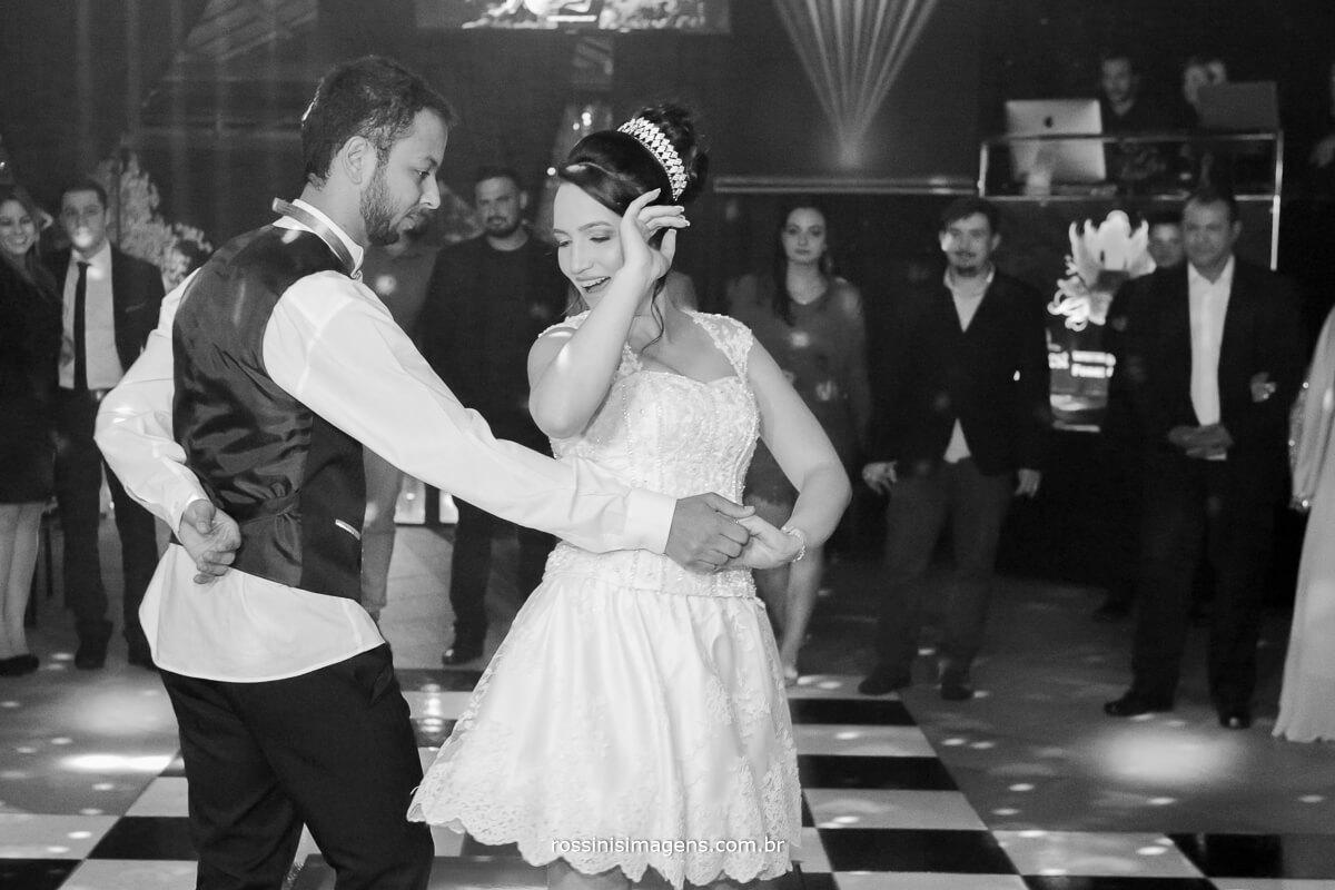 fotografo de casamento no garden fest em aruja-sp Rossinis Imagens, danca dos noivos, wedding dance balada