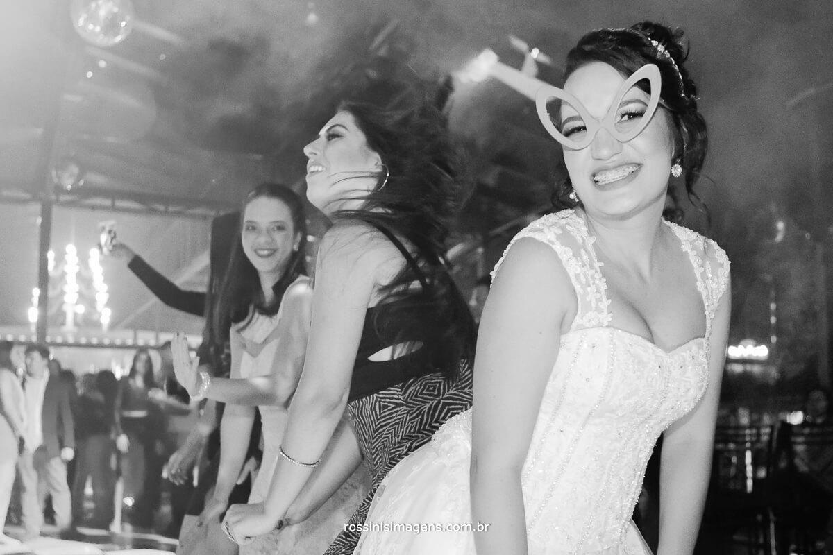 fotografo de casamento no garden fest em aruja-sp Rossinis Imagens, pista de danca animada