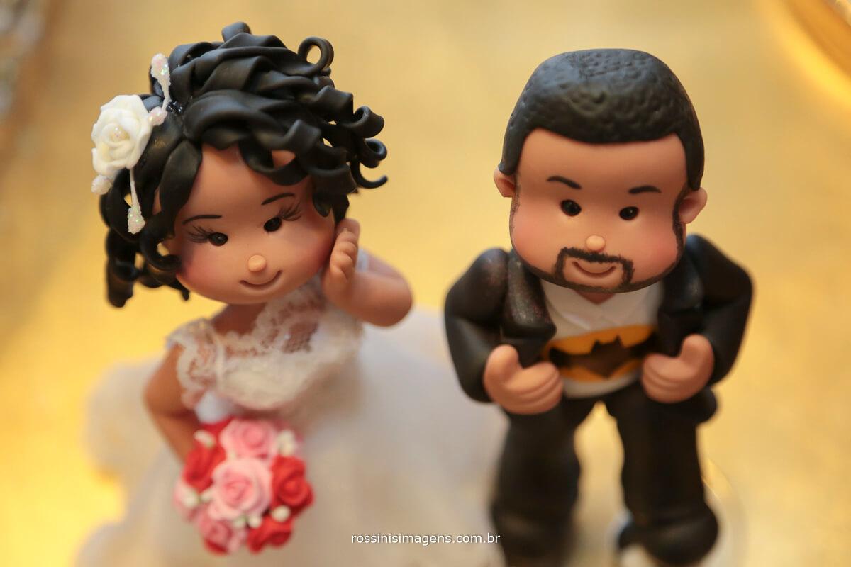 fotografia de casamento noivinho de topo de bolo, rossinis imagens