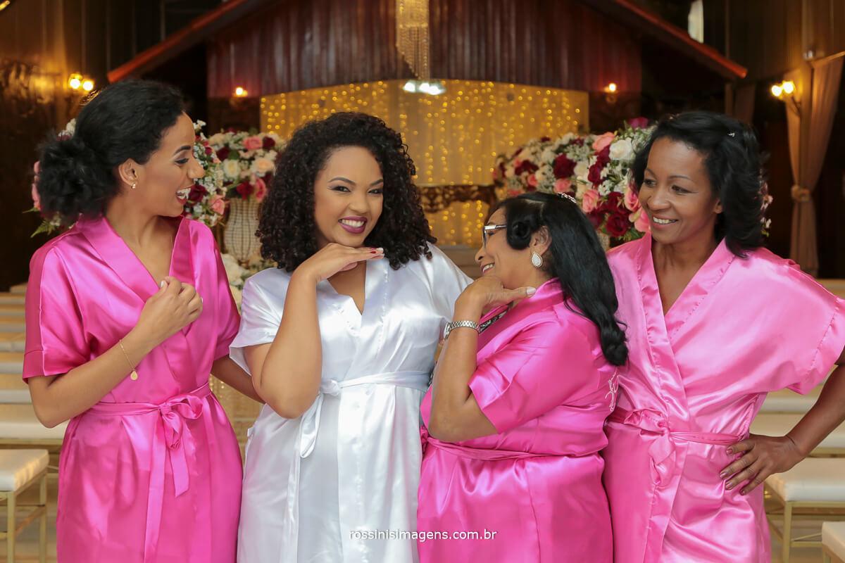 rossinis imagens fotografia e video de casamento noiva no making of com as madrinhas
