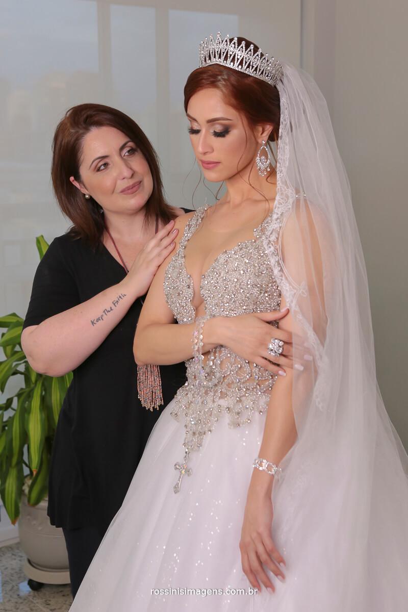 sandra costa maquiadora e cabeleireira, foi a escolhida pela noiva pelo excelência e belíssimo trabalho e todo o cuidado que tem com a noiva