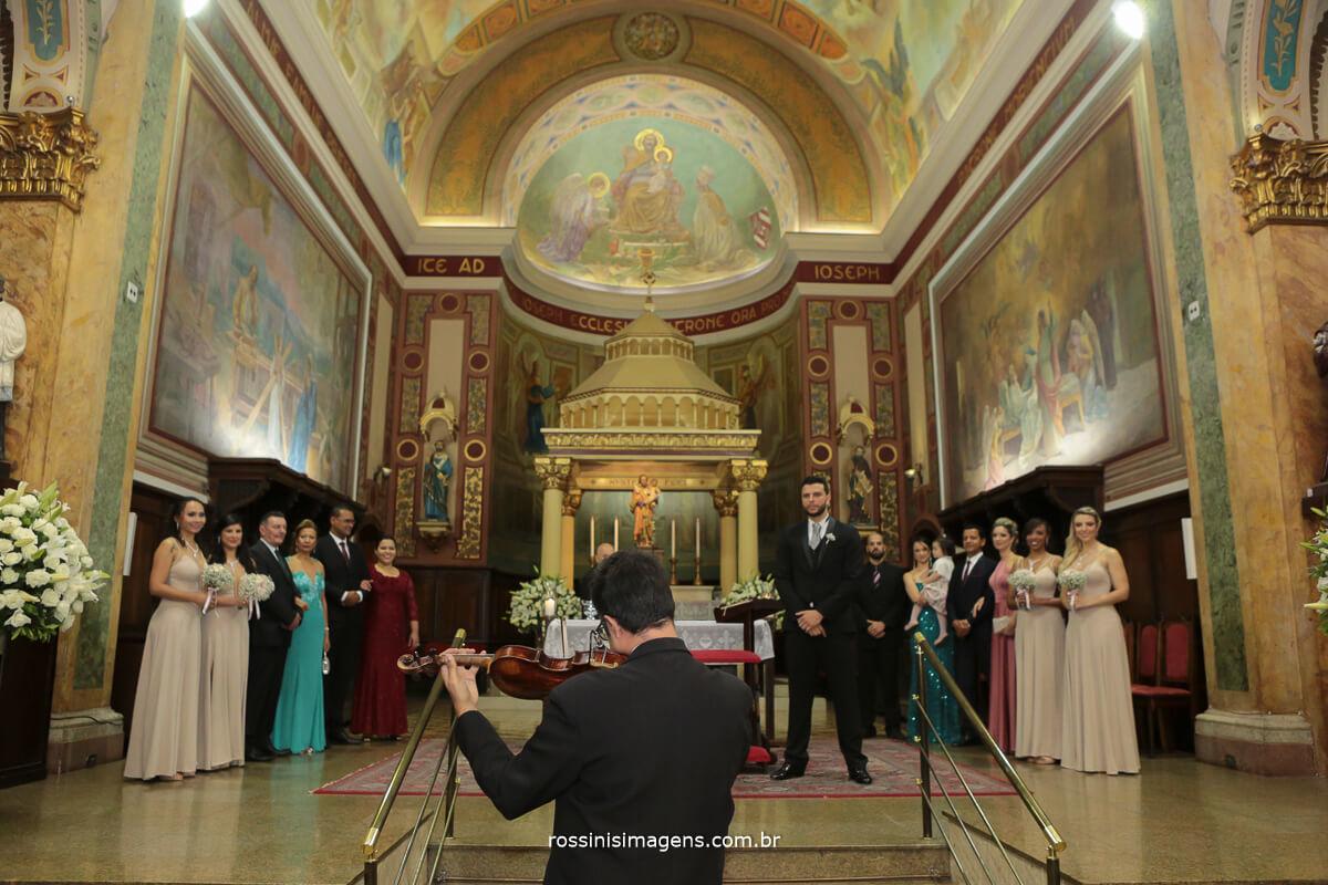 entrada da noivo violinos para o cortejo triunfal da noiva