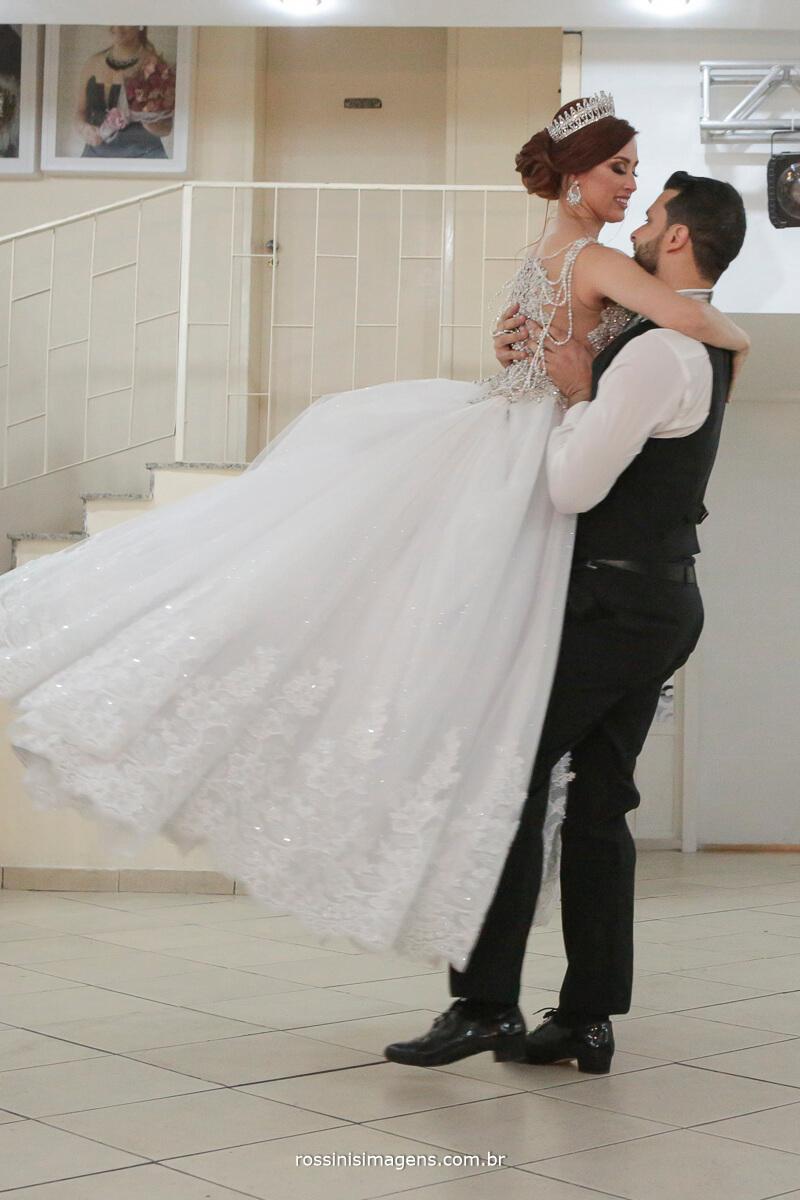 danca coreografada para recepcionar os convidados, noiva dançarina,
