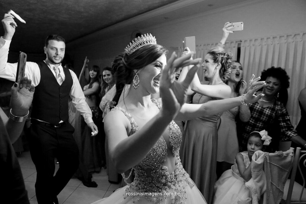 dança dos noivos, dança árabe, apresentação de dança árabe
