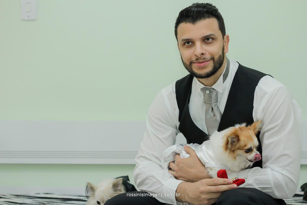 noivo e os cachorrinhos vestidos de noivos, pet's bride and groom