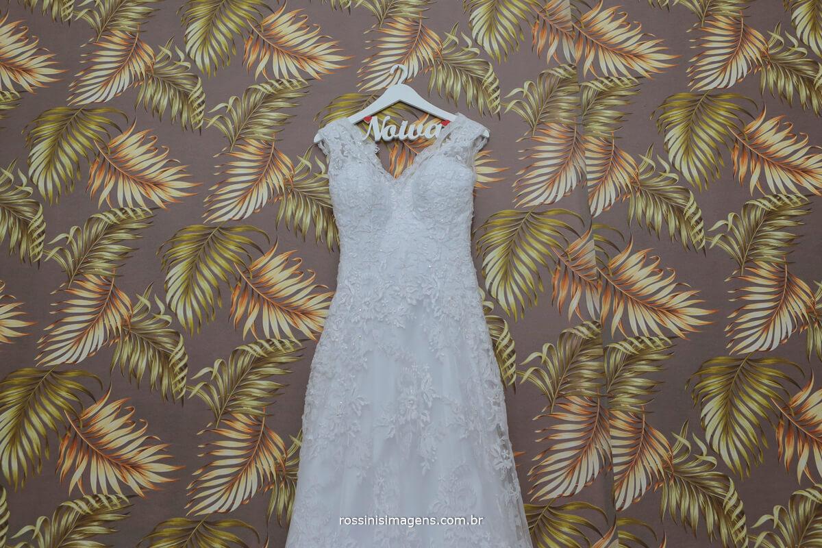 vestido branco de noiva, traje para noiva, noiva de branco