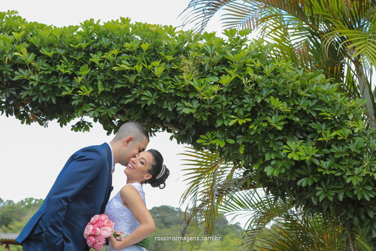 ensaio de casados no grande dia noivos juntos