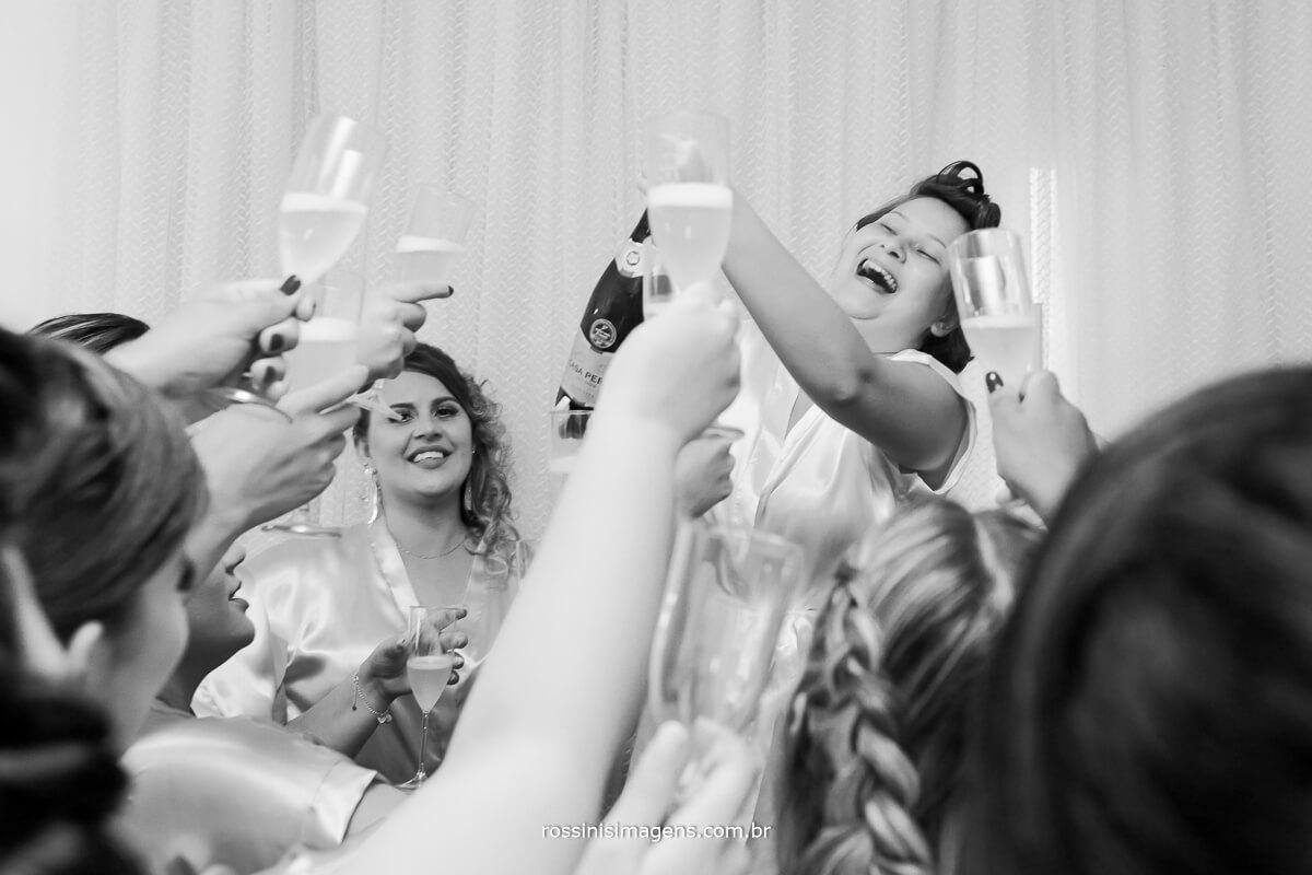 brinde a noiva, é hoje o casamento, making of no salão helen atala em suzano