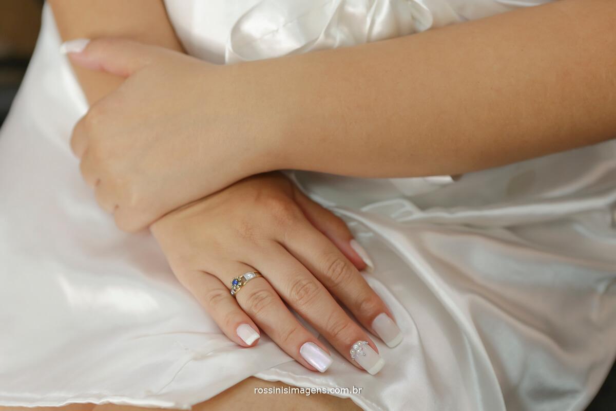 making of da noiva detalhes nas unhas de noiva