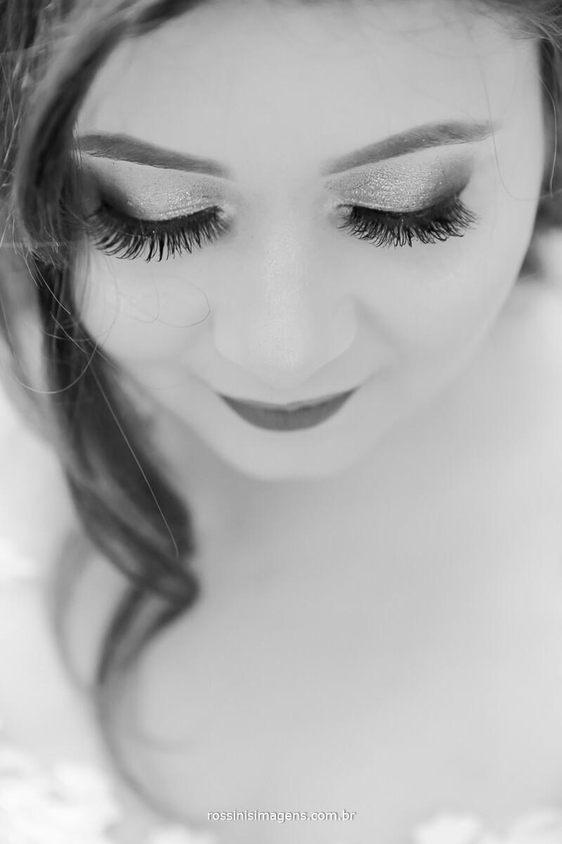 cilios e delineador nos olhos da noiva para marcar e resaltar toda a beleza na noiva, noiva linda, noiva top, dia da noiva, making of