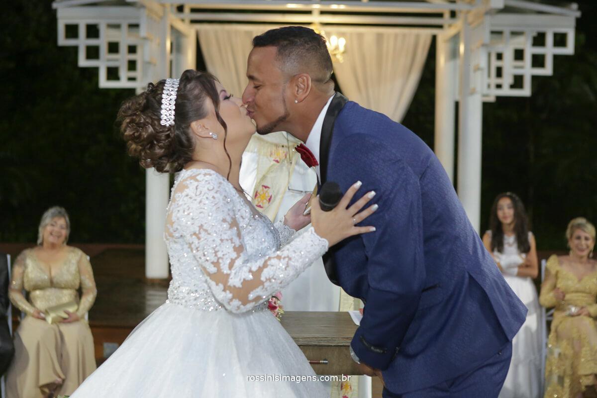 primeiro beijo de casados, casamento