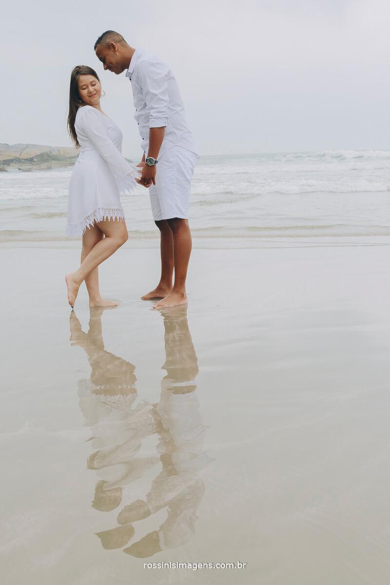 ensaio de casal nathalia e jonathan na praia