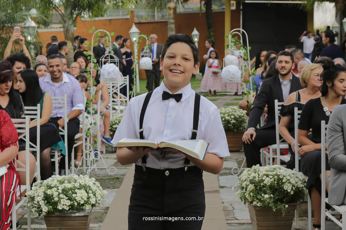 entrada da bíblia no casamento