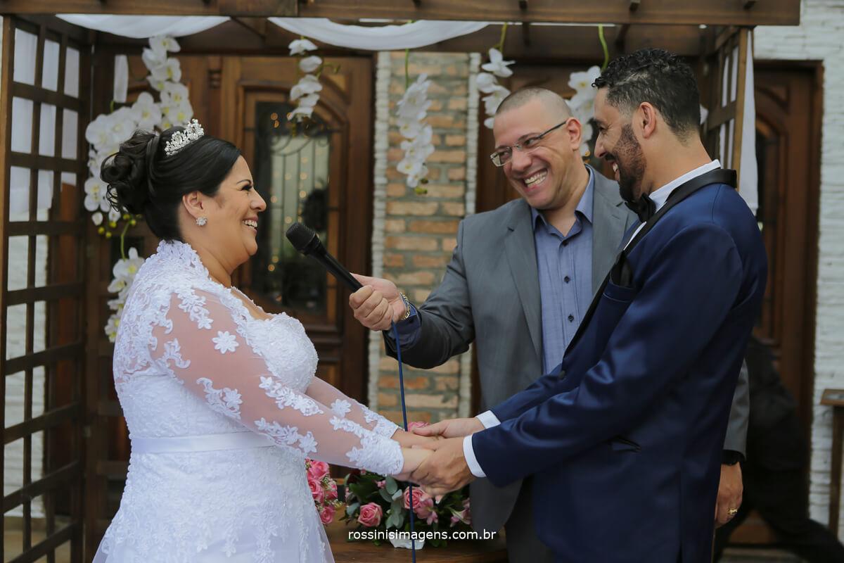 votos de casamento de ramon e camila realizado no casarão baronesa em poá-sp, poa-sp rossinis imagens