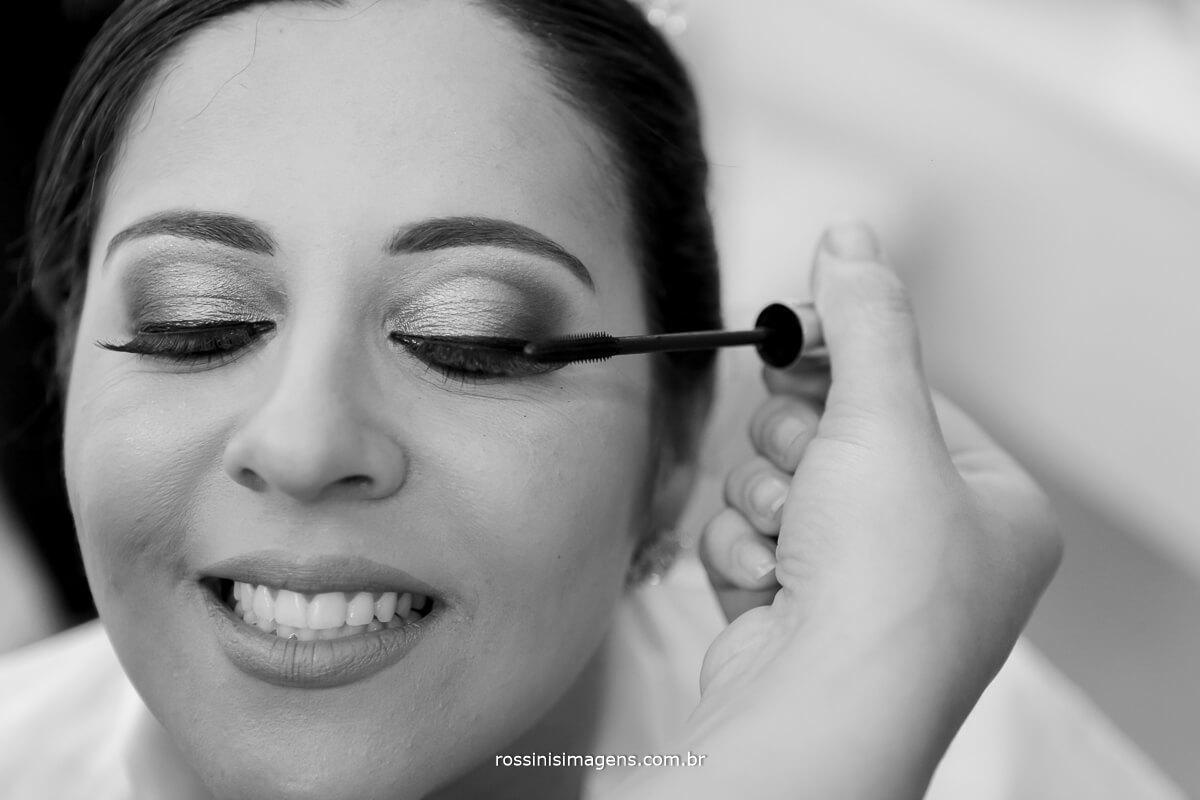 detalhes da maquiagem na noiva, rossinis imagens fotografia de casamento