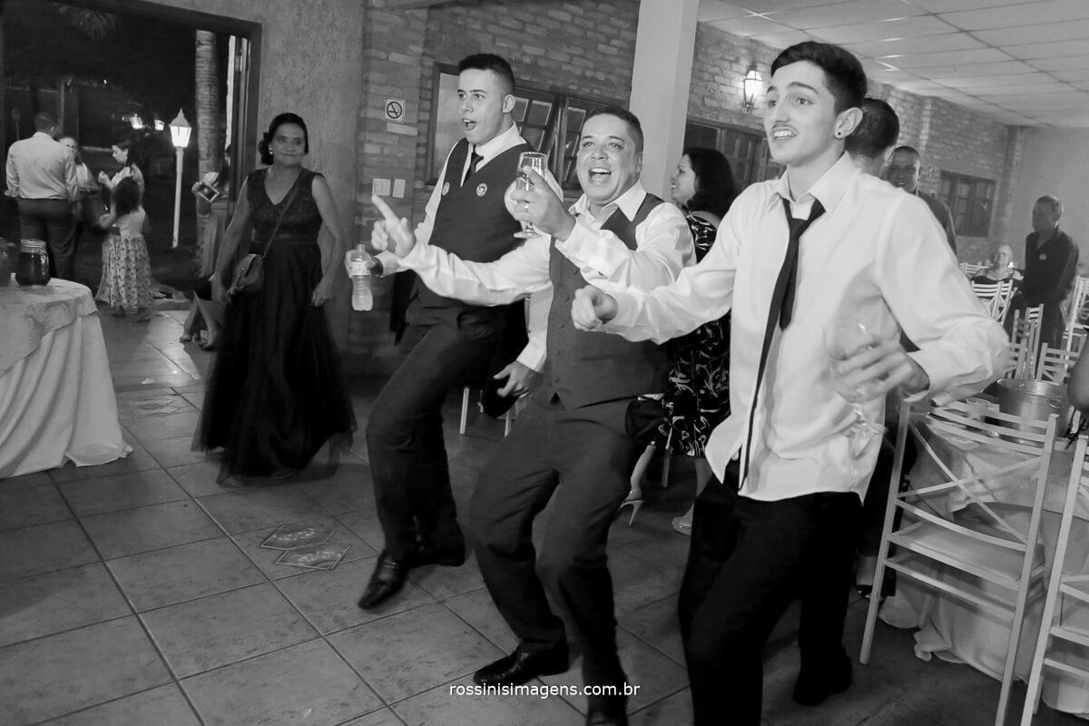 agitação da pista de dança ao comando do royal som, dj para casamento royal som