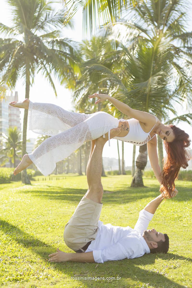 varias dicas para realizar o ensaio pre casamento na praia