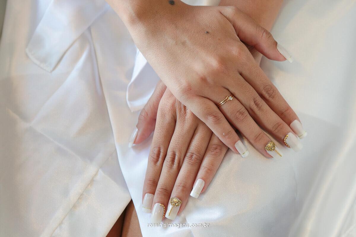 mão de noiva, unha de noiva, ideias de unha para noiva, fotografia rossinis imagens