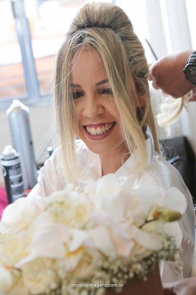 buquê de noiva, de orquídeas brancas, delicadeza, alegria felicidade noiva, bride