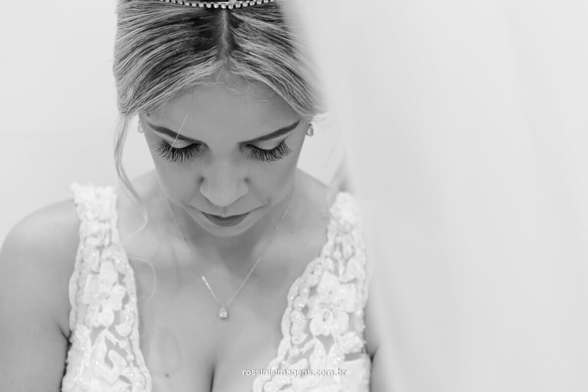 noiva concentrada, modelo, top model, rossins imagens noiva ansiosa, fotografia e video de casamento rossinis imagens