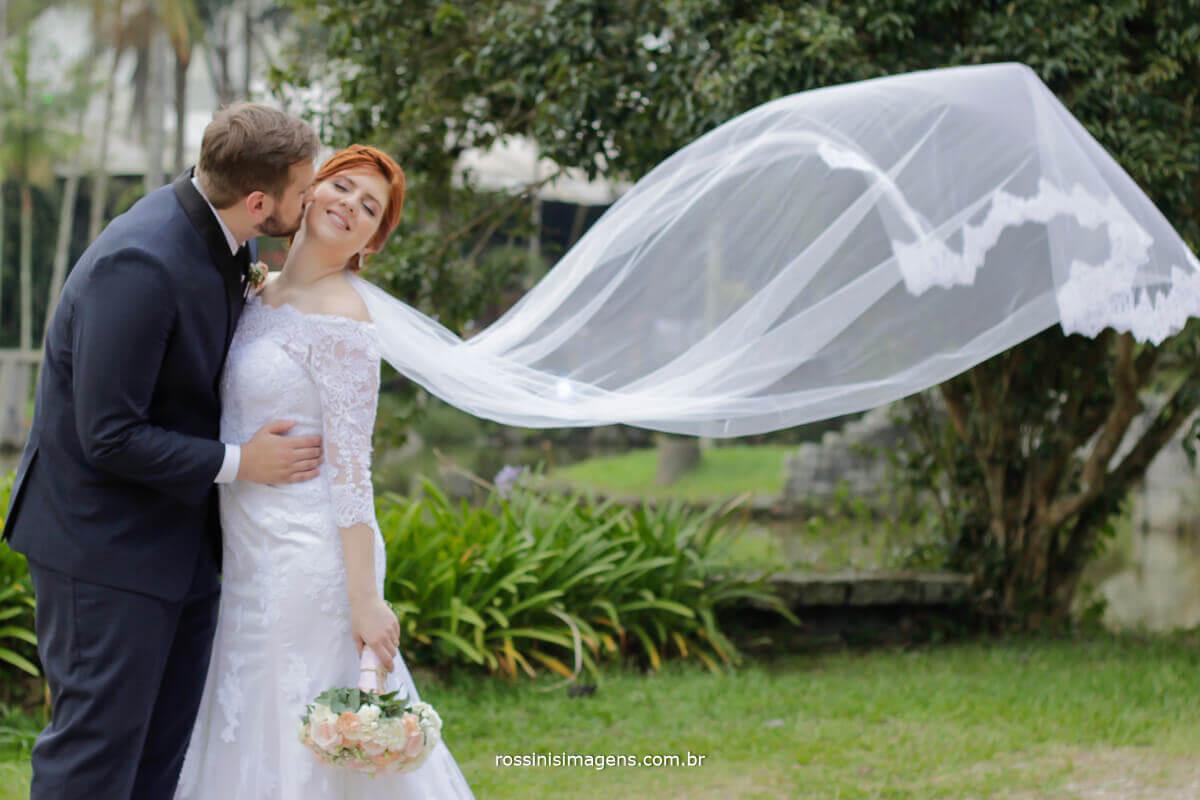 fotografo de casamento - rossinis imagens,sessão de fotos casal véu voando, mogi