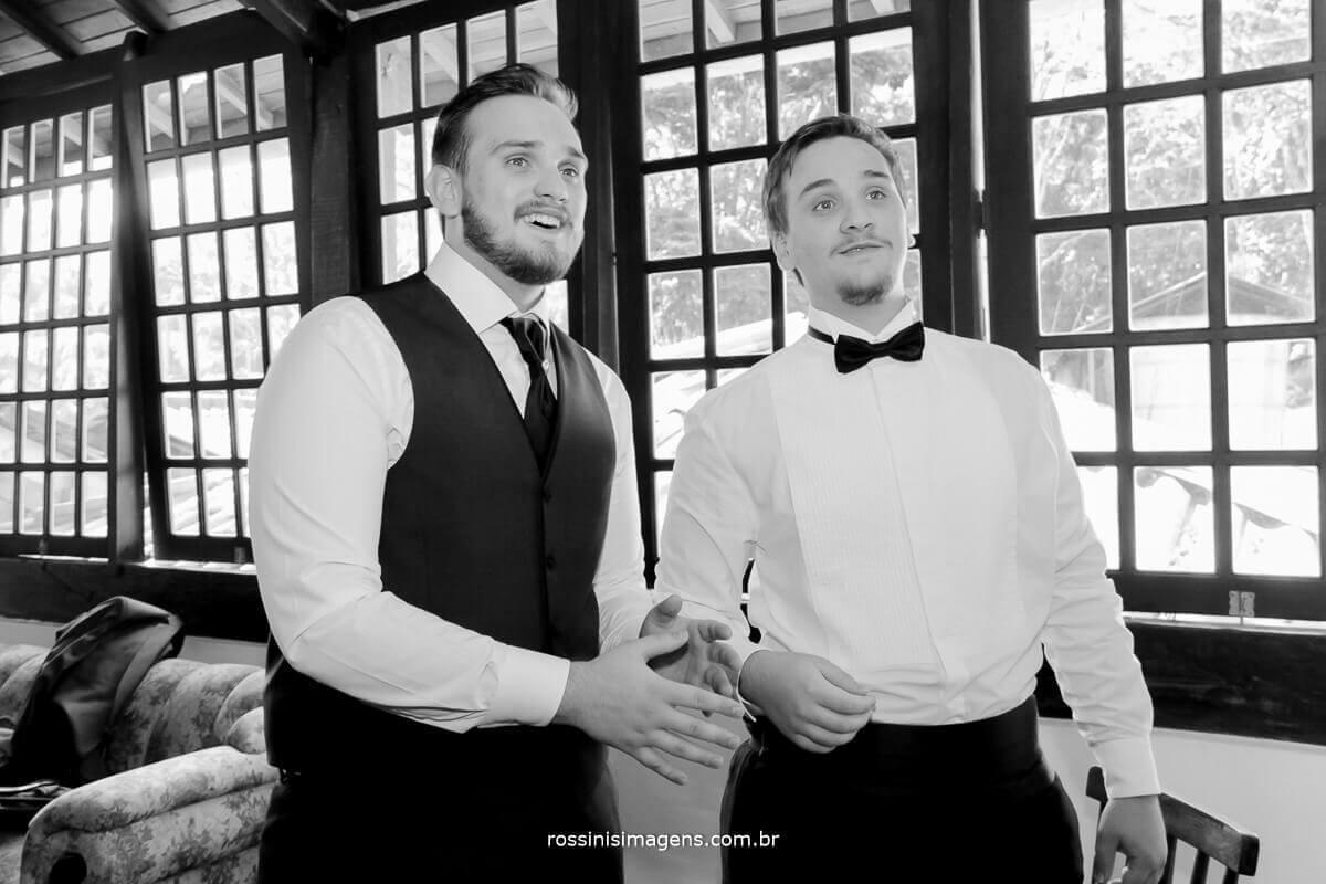 noivo e irmão do noivo casamento em mogi com excelentes profissionais