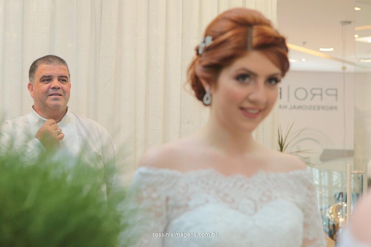 pai ao ver a filha vestida de noiva, making of dia da noiva rossinis imagens casamento renata e kevin