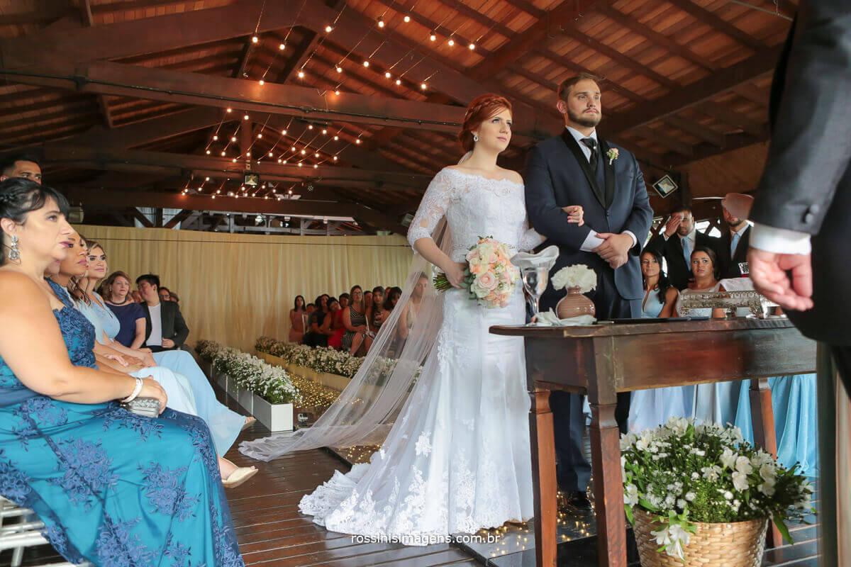 cerimonia de casamento renata e kevin da casa da arvore