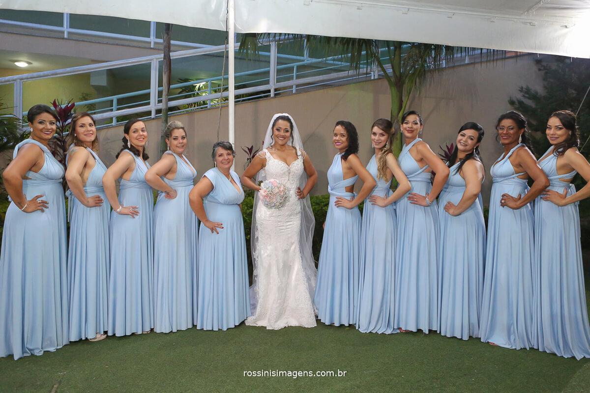 vestido de festa azul serenity, saiba escolher a cor da moda para o vestido das madrinhas, noivas 2019, noivas 2020, noiva, casamento 2019, casamento 2020, rossinis imagens
