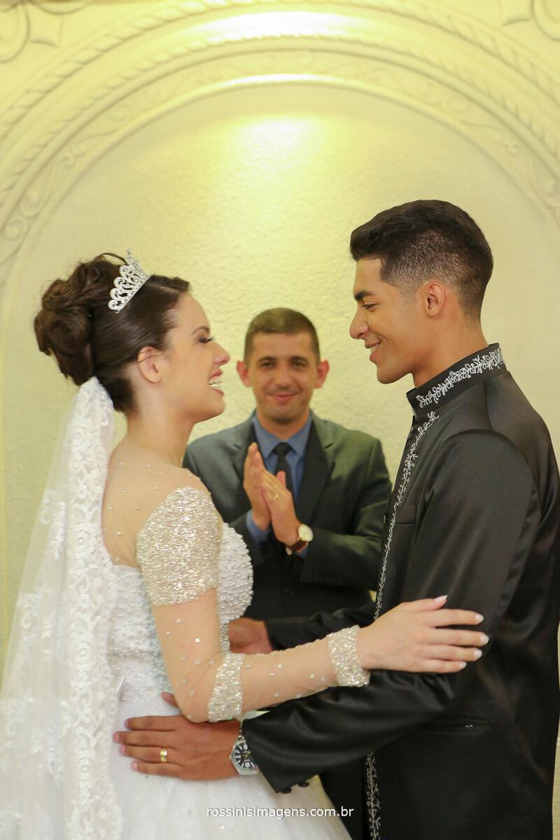 primeiro beijo de casados, marido e mulher rafaela e fernando, rossinis imagens