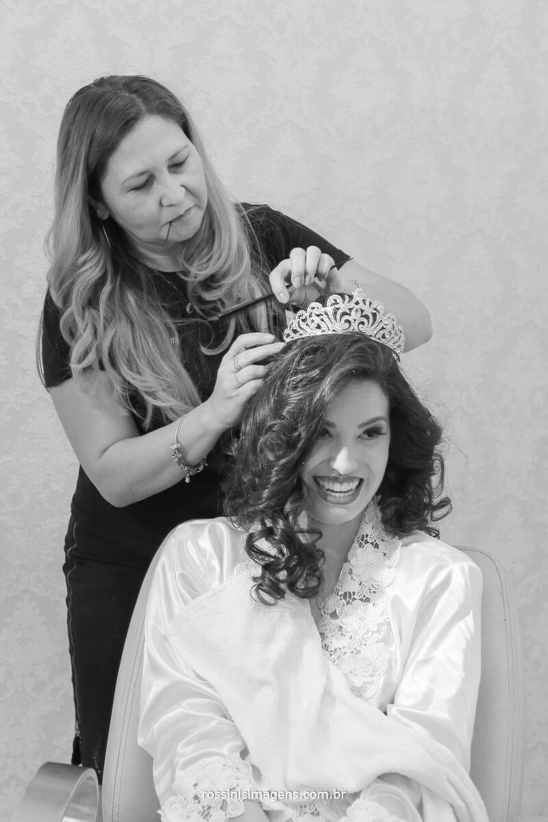 penteado de noiva com coroa, penteado de princesa