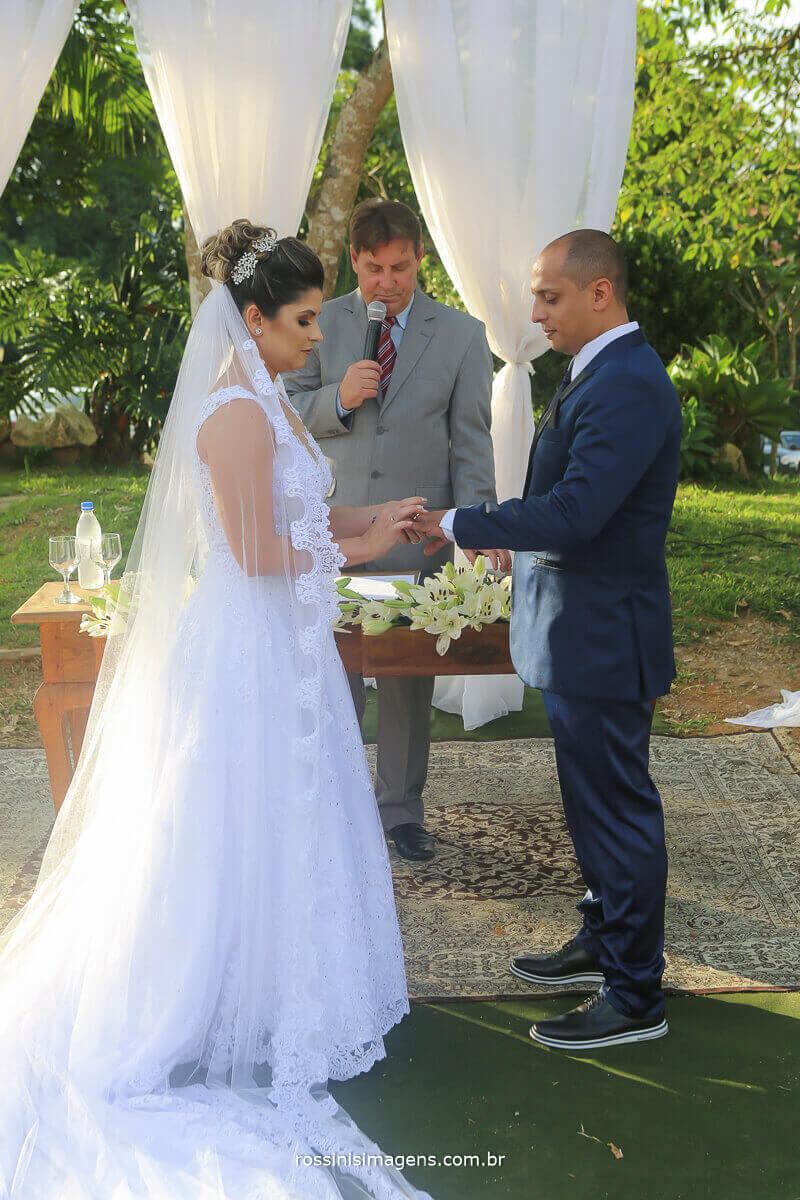 votos da noiva para com o noivo e a troca das alianças, casamento no recanto tomioka mogi das cruzes