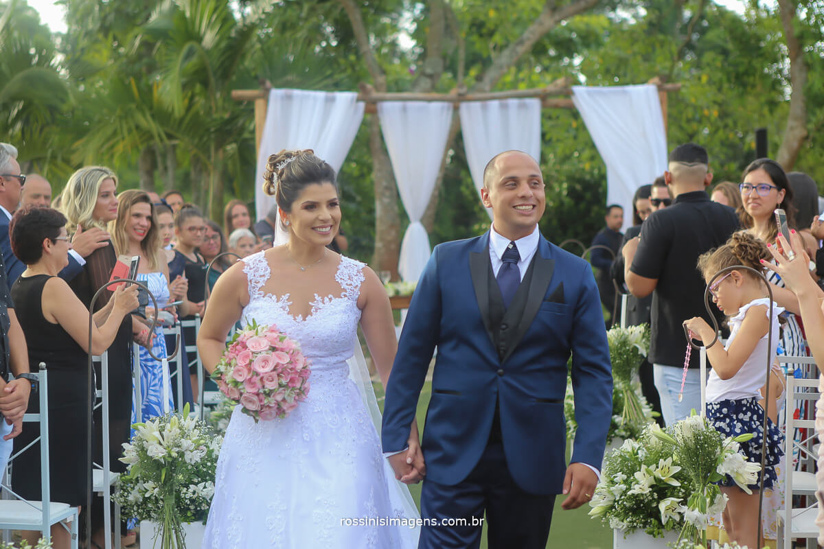saída dos noivos, fotografia e video de casamento rossinis imagens, recanto tomioka mogi