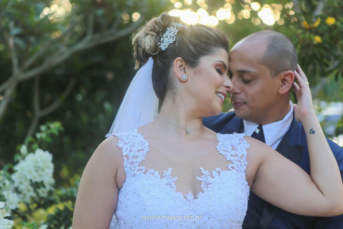 noivos envolvidos, conexão do casal amor verdadeiro, wedding