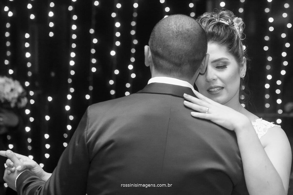 dança dos noivos na recepção pista de dança balada