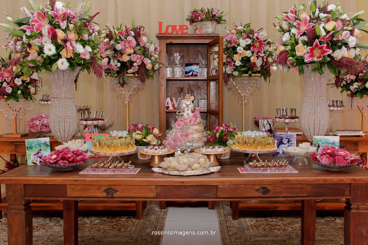mesa do bolocom decoração da nobre decorações e bolo do atelier dos sabores, fotografia da rossinis imagens fotografia e video de casamento alto tiete são paulo