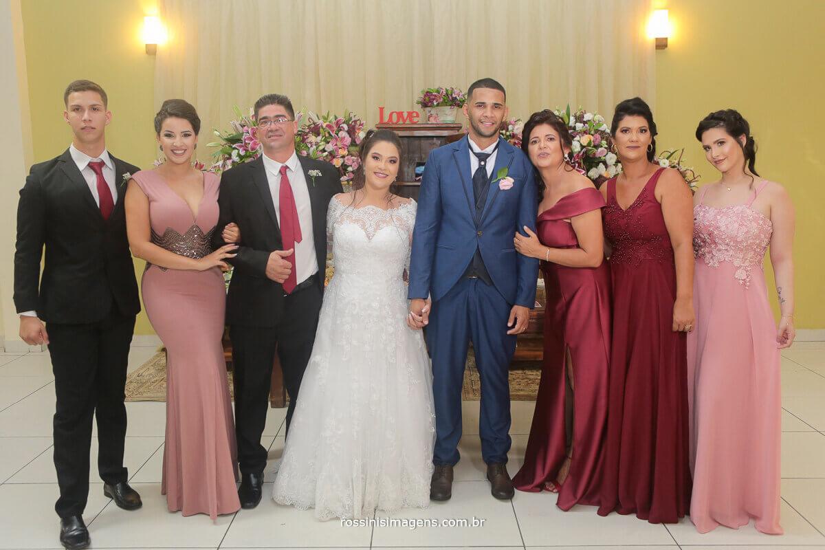 fotografia de casamento rossinis imagens casal com a familia