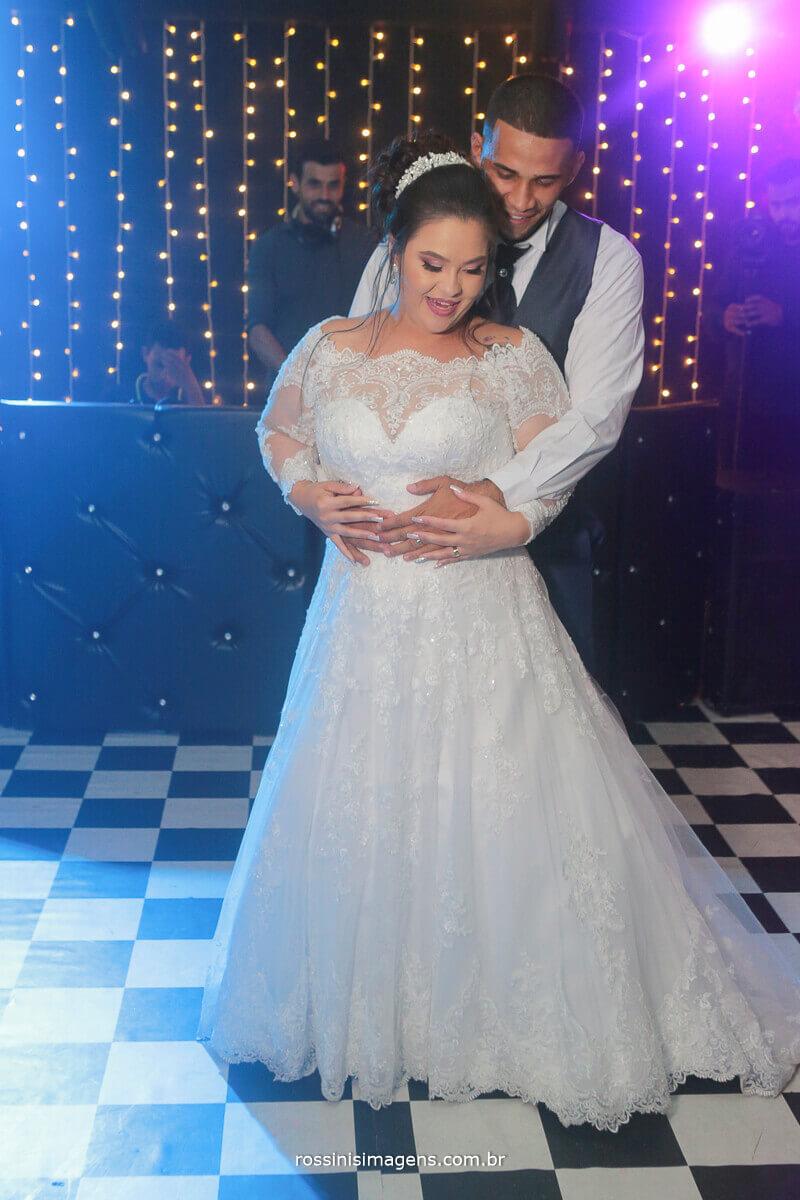 valsa de casamento, dança dos noivos, balada, pista de dança