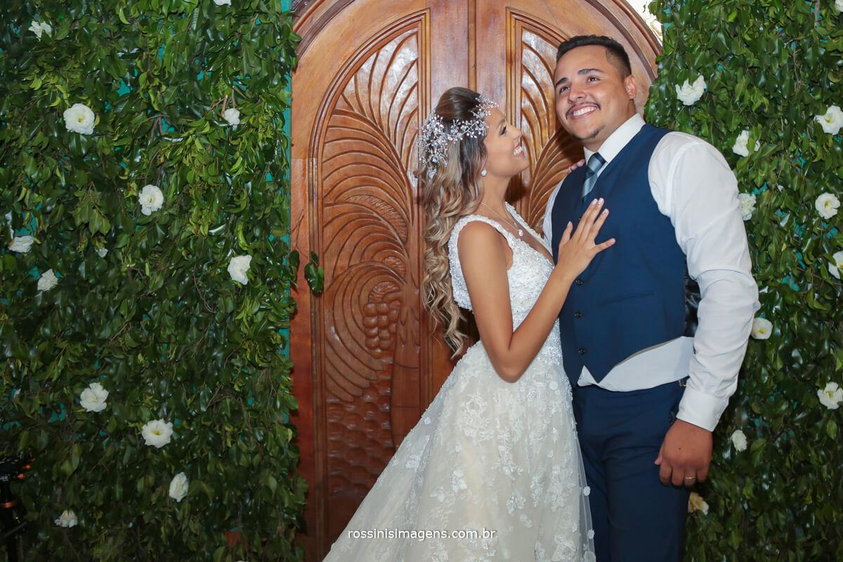 sessão de fotos com casal, rossinis imagens apos a cerimonia de casamento