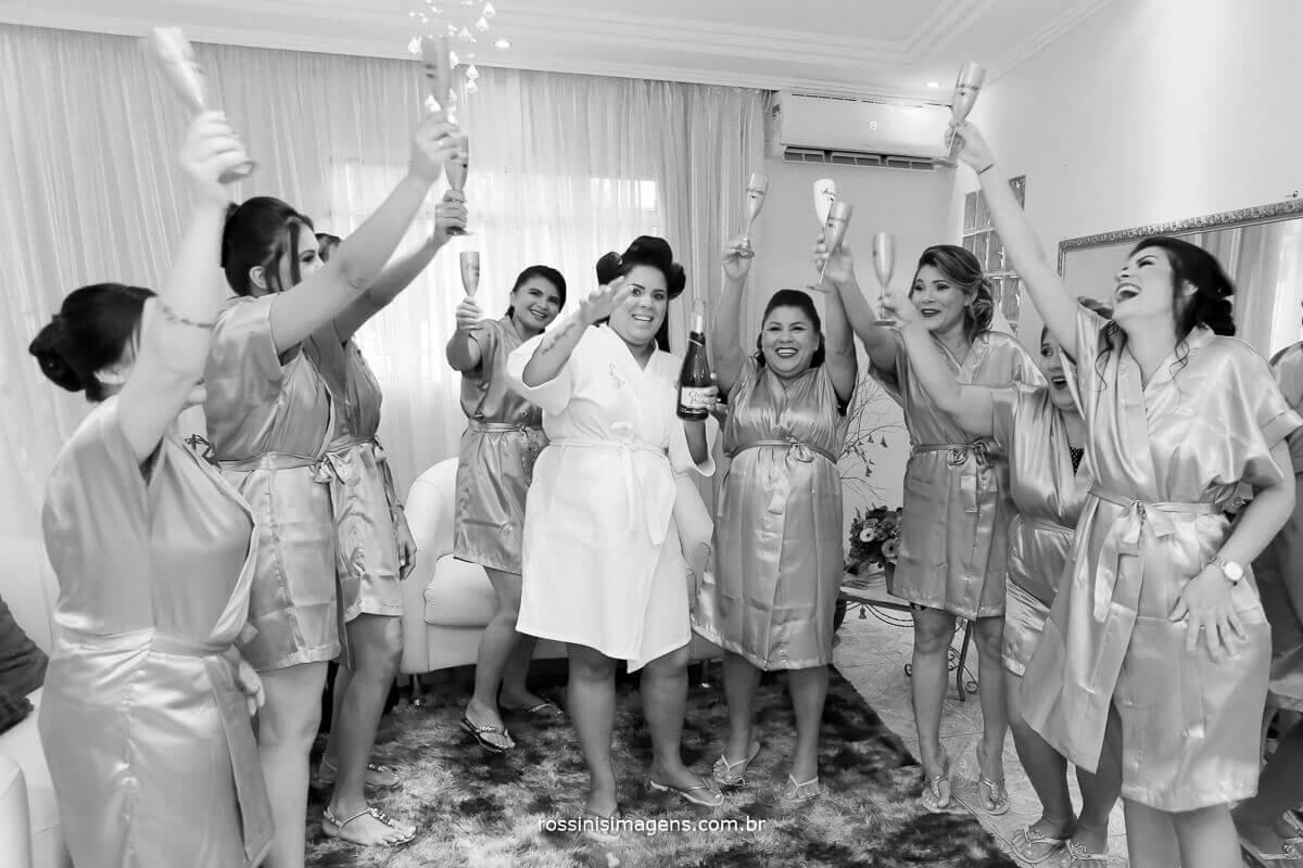 brinde das madrinhas com a noiva no making of