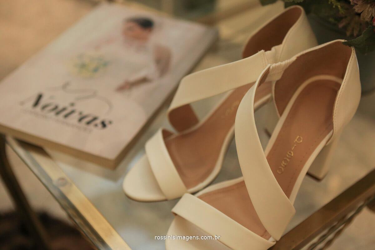 sapato de noiva, sandalia de noiva, para noiva, revista noivas